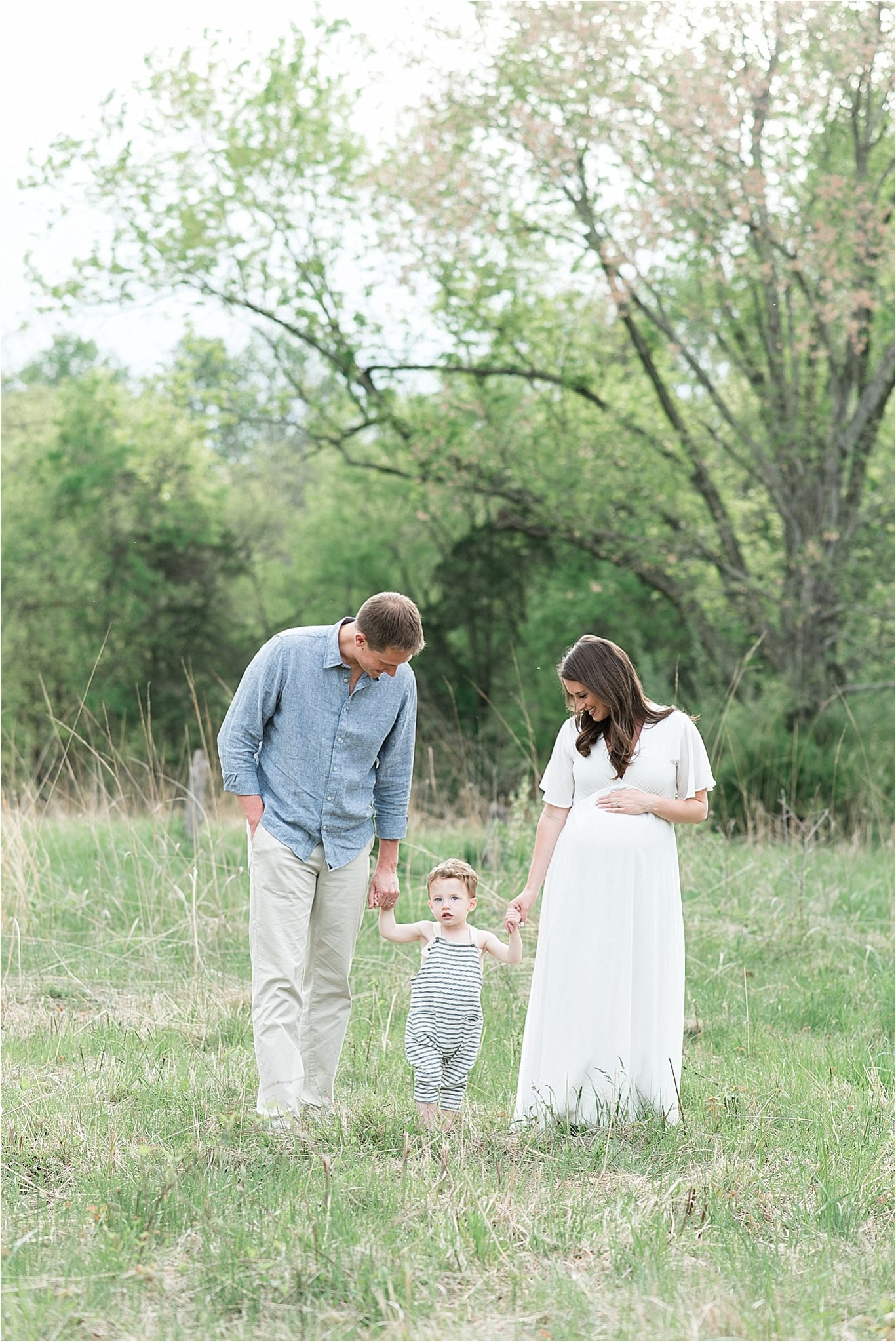 maternity-session-fishers-in-outdoor-natural-light