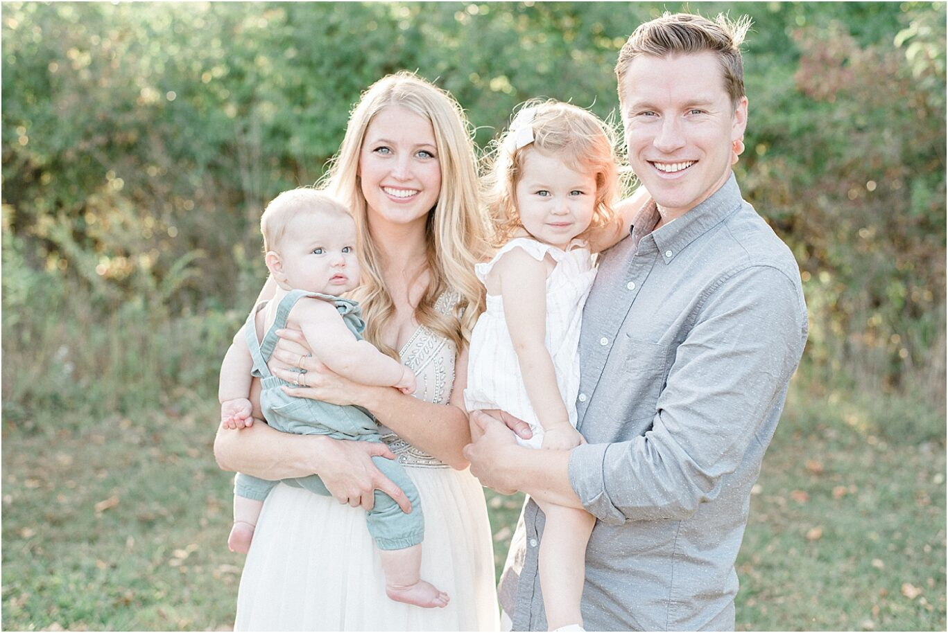 Outdoor family portrait in Noblesville, IN. Photo by family photographer, Lindsay Konopa Photography.