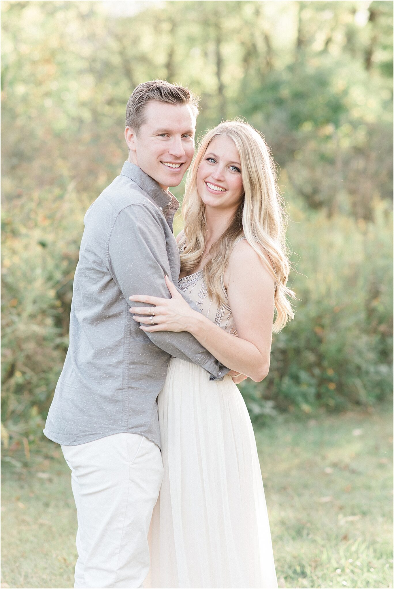 Couples photo during family session with Lindsay Konopa Photography in Noblesville, Indiana.