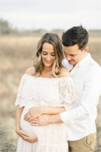 Outdoor maternity session in Broad Ripple Indiana. Photo by Lindsay Konopa Photography.