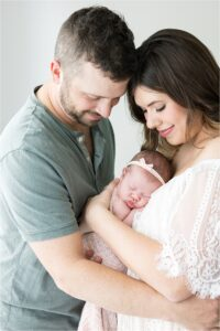 Newborn session with studio photographer, Lindsay Konopa Photography, in Fishers.